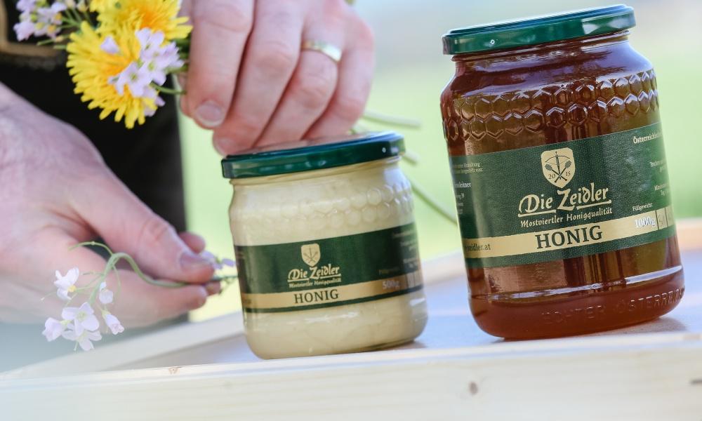 (c) Schwarz-König: Die Zeidler bieten hochwertigen regionalen Honig!