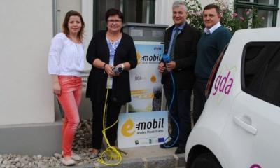 Doris Farthofer (Mostelleria), LAbg. Bgm. Michaela Hinterholzer (Moststraße), LAbg. Bgm. Anton Kasser (gda Amstetten), Richard Essletzbichler (EVN)